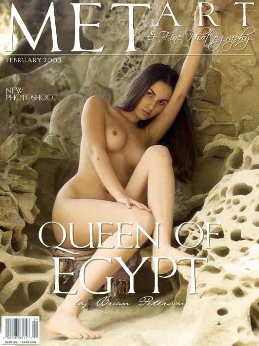 长的像埃及王后的超模Alyssa山岩外拍