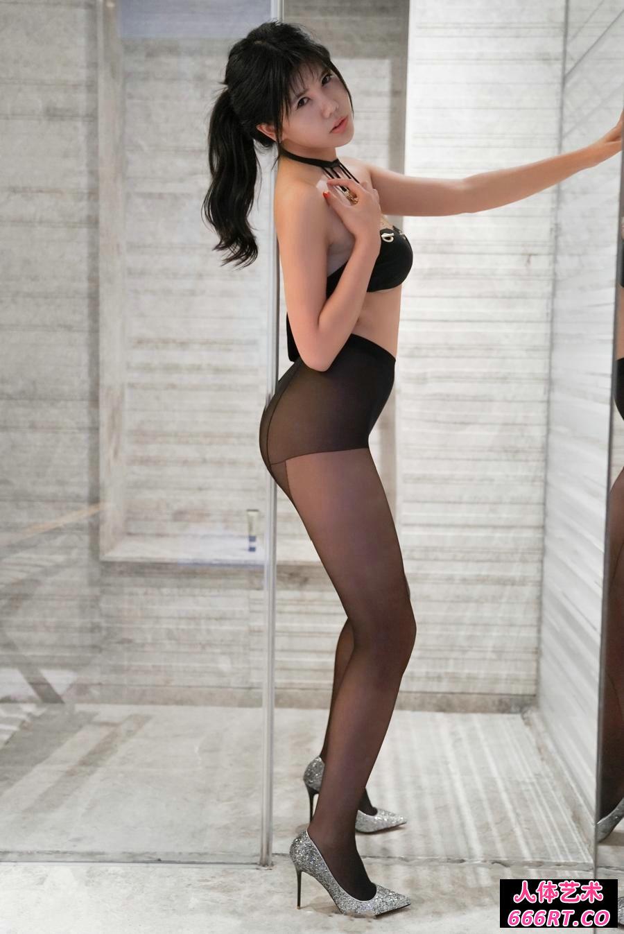 高跟裸模安沛蕾精品黑丝美臀写真