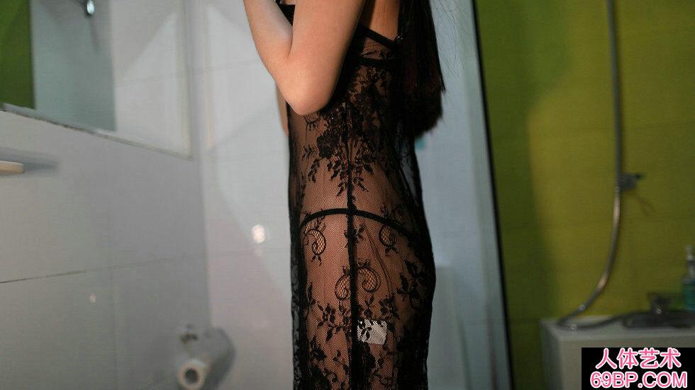 Rosi第2279期黑色蕾丝薄纱裙靓妹摄影