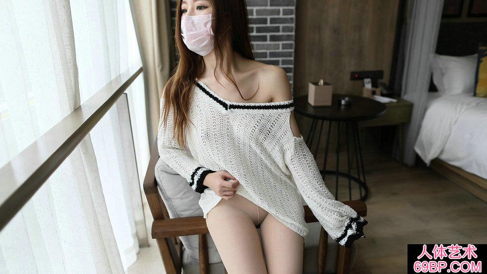 [ROSI口罩]NO.621_白色针织衣妹子居家无内肉丝摄影